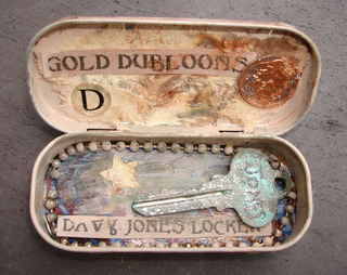 Tvd_altoid_tin_swap_fb4