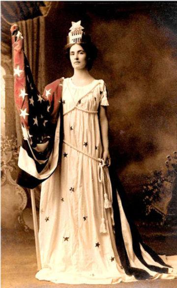 Patriotic_woman