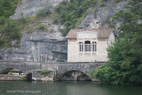 House near pont valentre 1