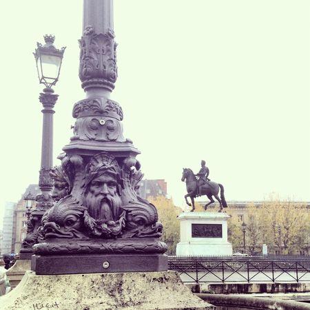 Henry IV statue @ pont neuf bridge 1